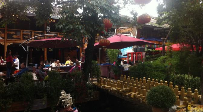 Lijiang – Transformer-City oder Disneyworld für Erwachsene auf chinesisch