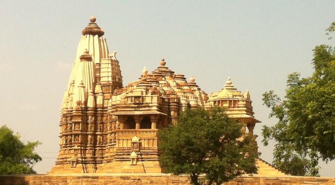 Kajuharo – Kamasutra-Tempel und Kleinstadtidylle